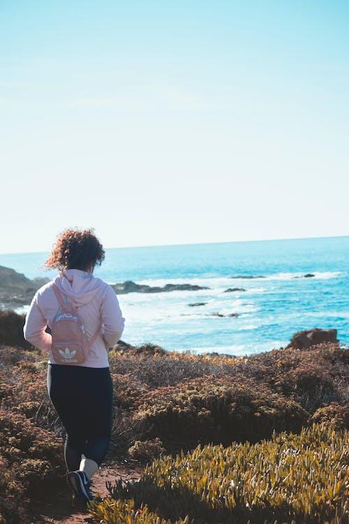 Gratis lagerfoto af folk, hav, kvinde, natur