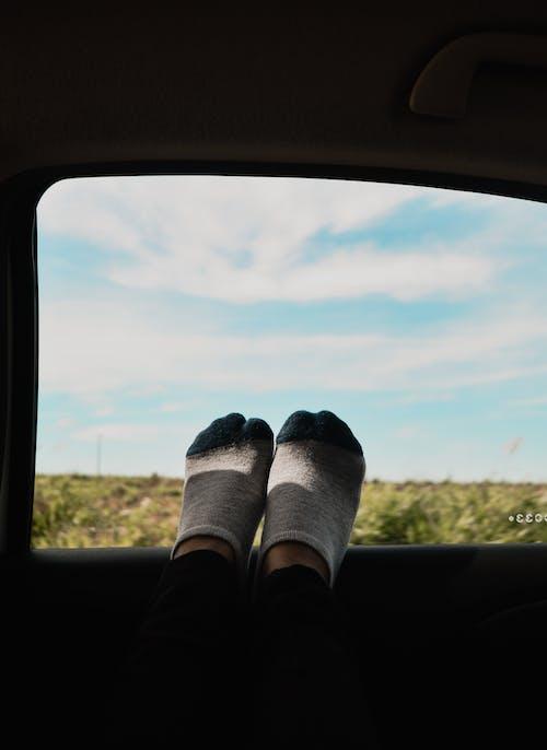 Gratis lagerfoto af fødder, sokker
