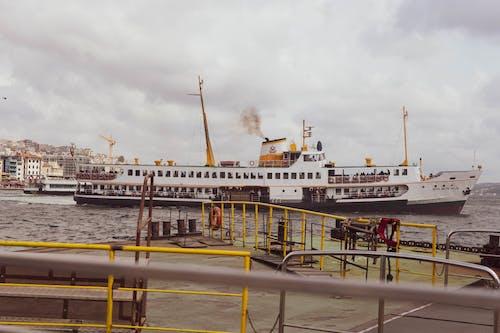 Ingyenes stockfotó hajó, hajóm csónak, jármű, kikötő témában