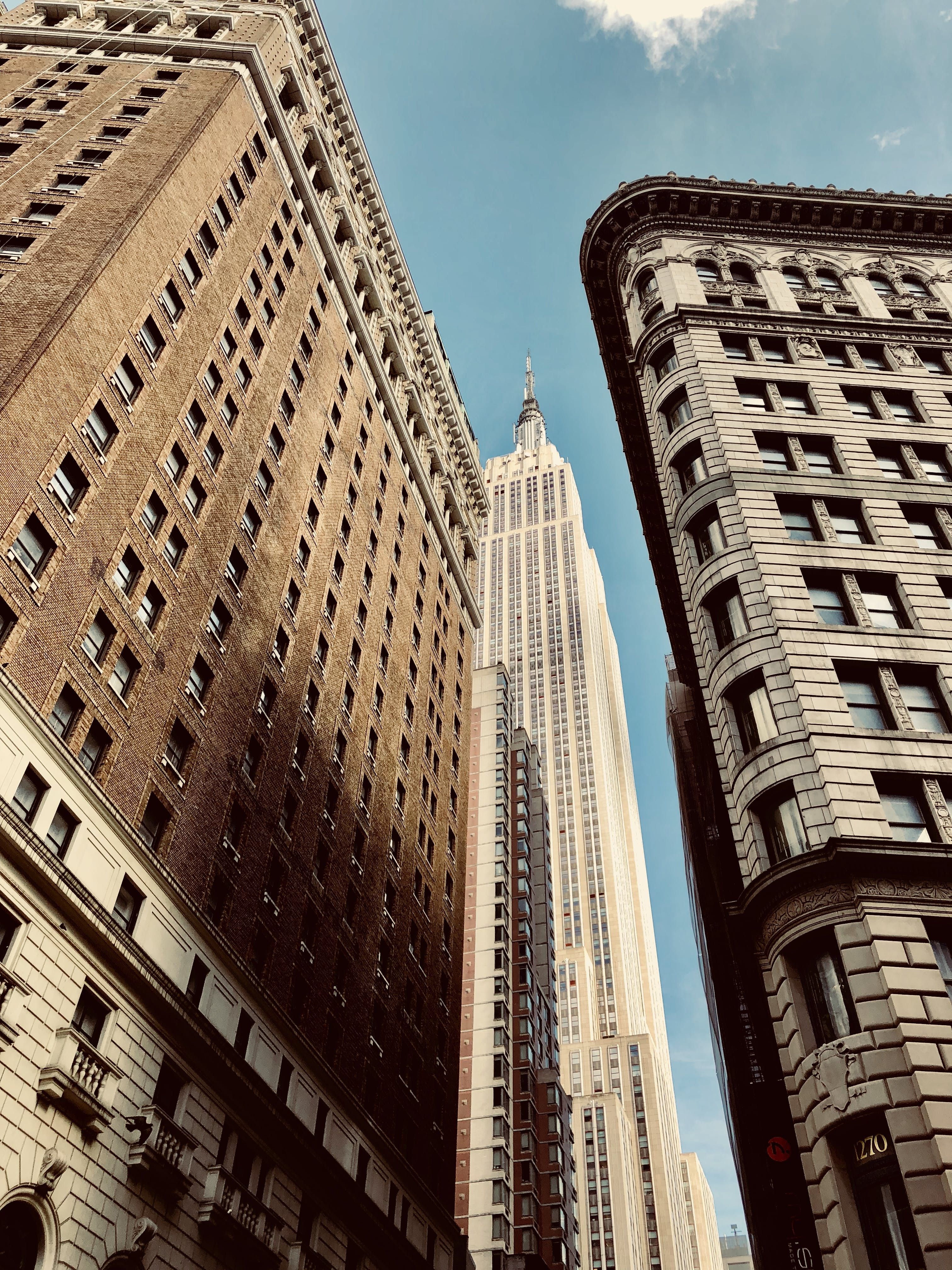 Fotos de stock gratuitas de alto, arquitectura, contemporáneo, diseño arquitectónico