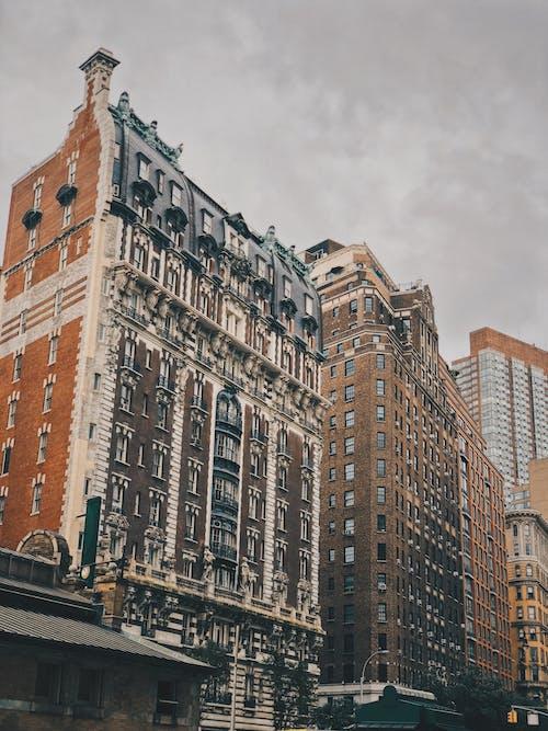 Ingyenes stockfotó ablakok, belváros, építészet, építészeti terv témában