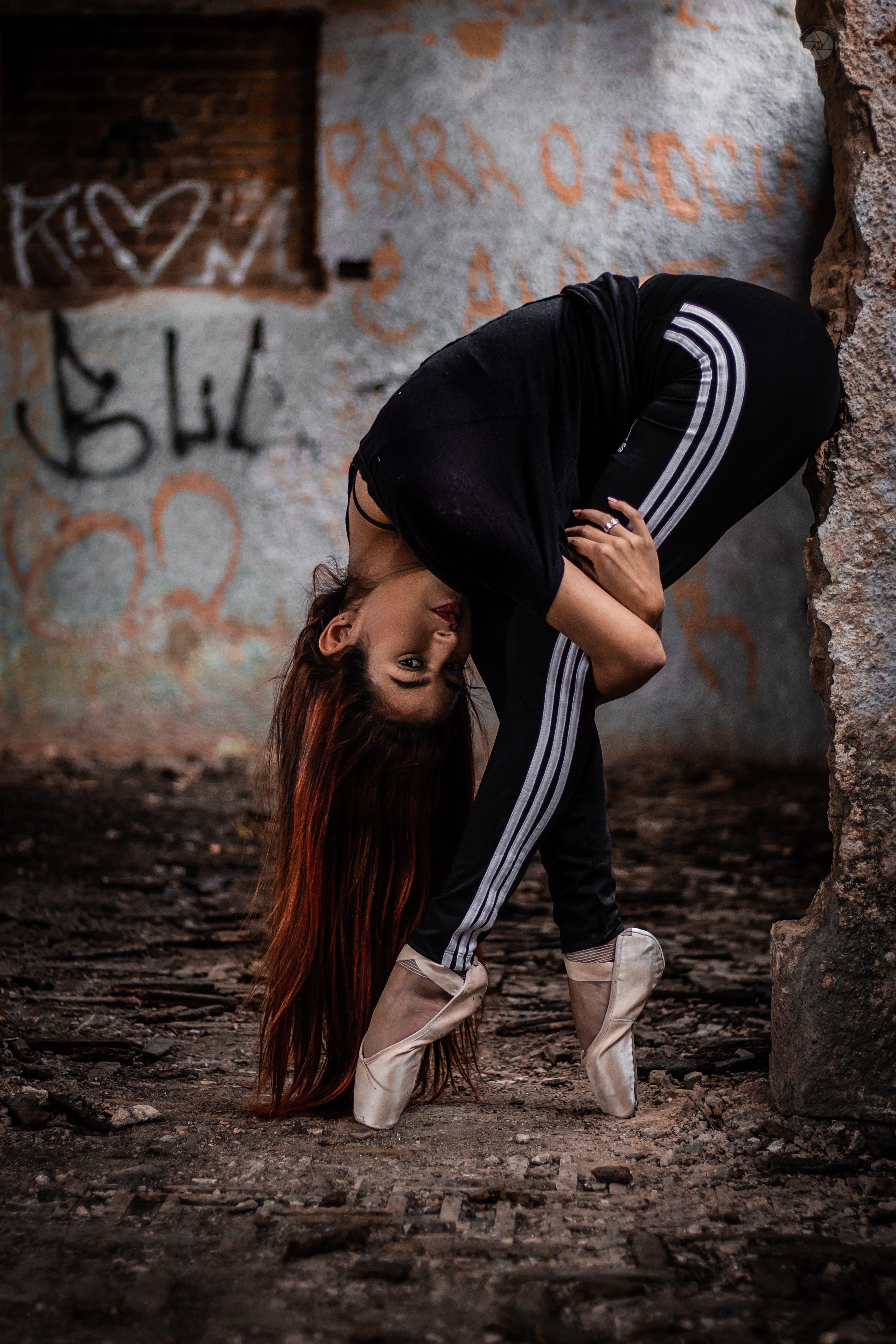 Kostenloses Stock Foto zu attraktiv, ballettschuhe, balletttänzer, dreckig