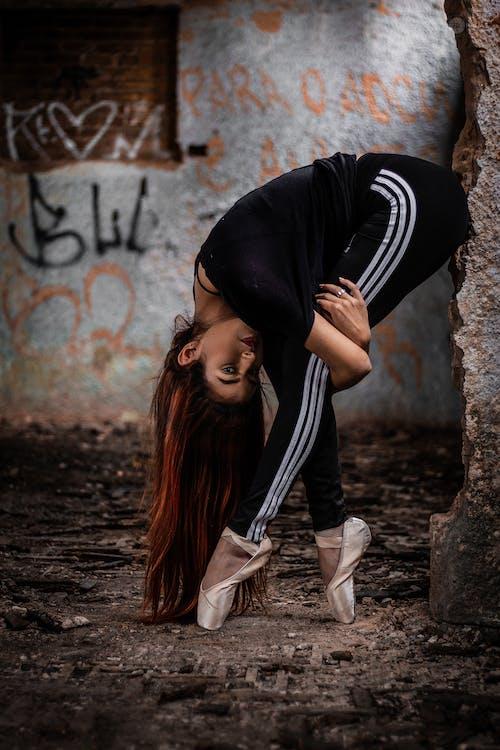 Gratis lagerfoto af attraktiv, ballet sko, balletdanser, beskidt