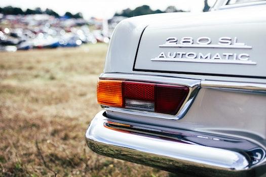 White Mercedes Benz 280 Sl Automatic