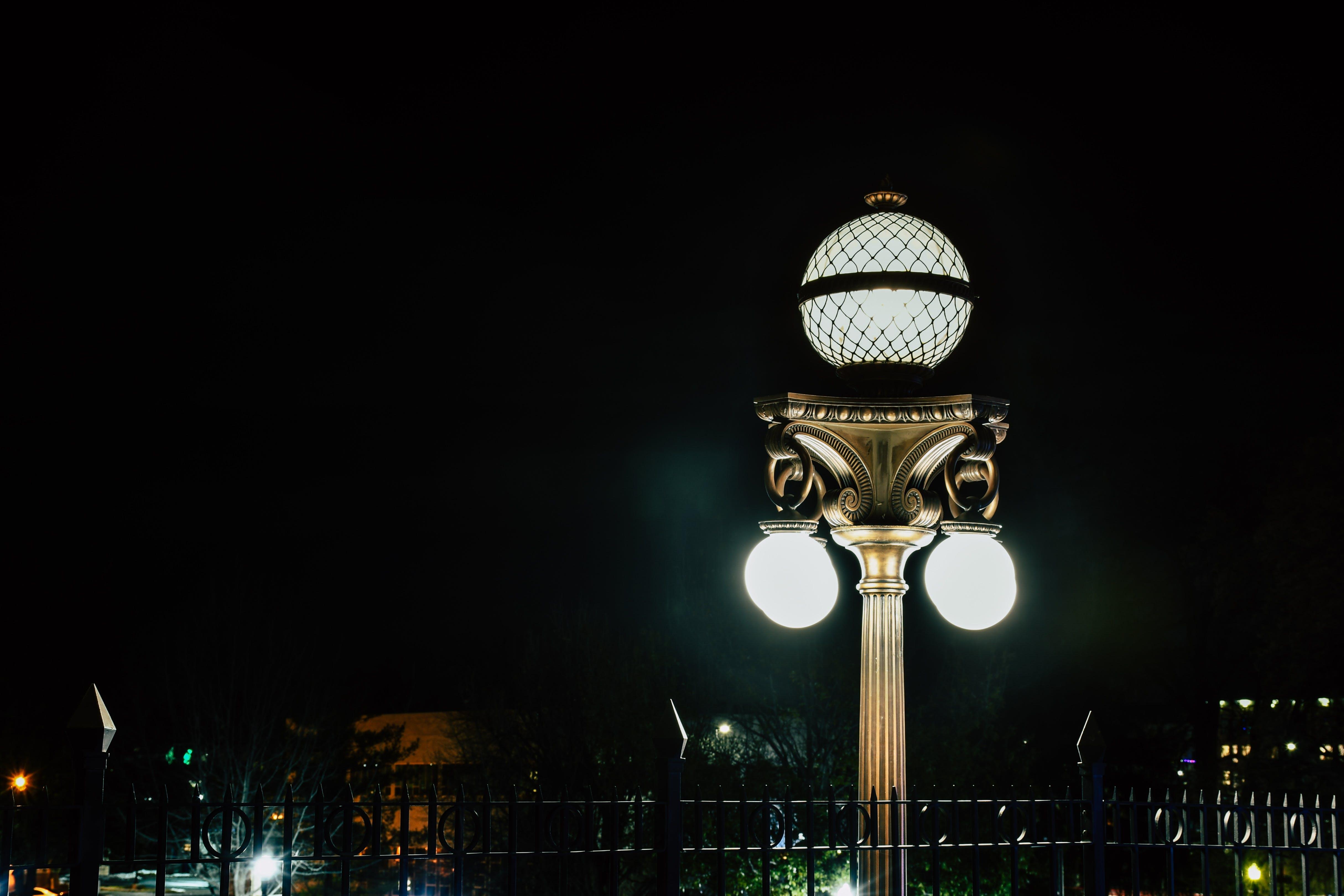 Immagine gratuita di cielo, illuminato, lampada, lampione