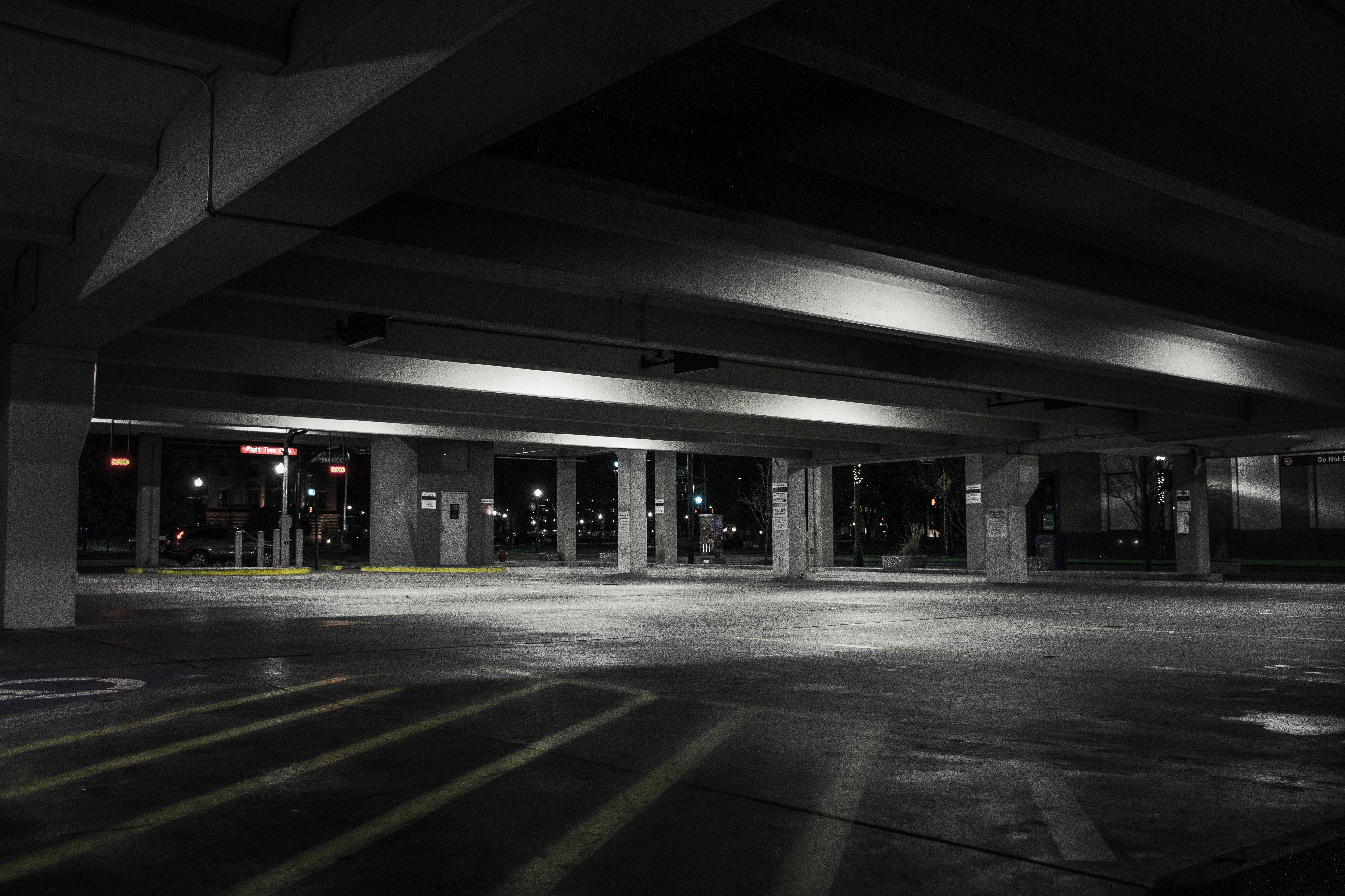 zu architektur, autoparkplatz, beleuchtung, beton