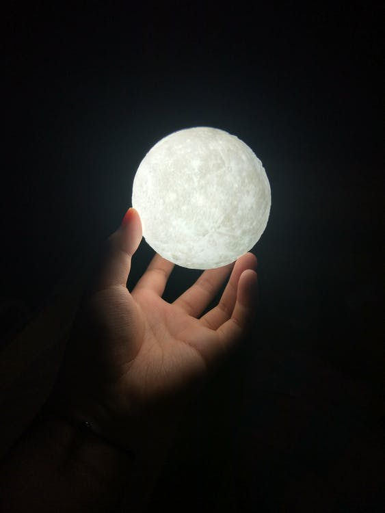 Fotos de stock gratuitas de bola, luz de la luna, pelota
