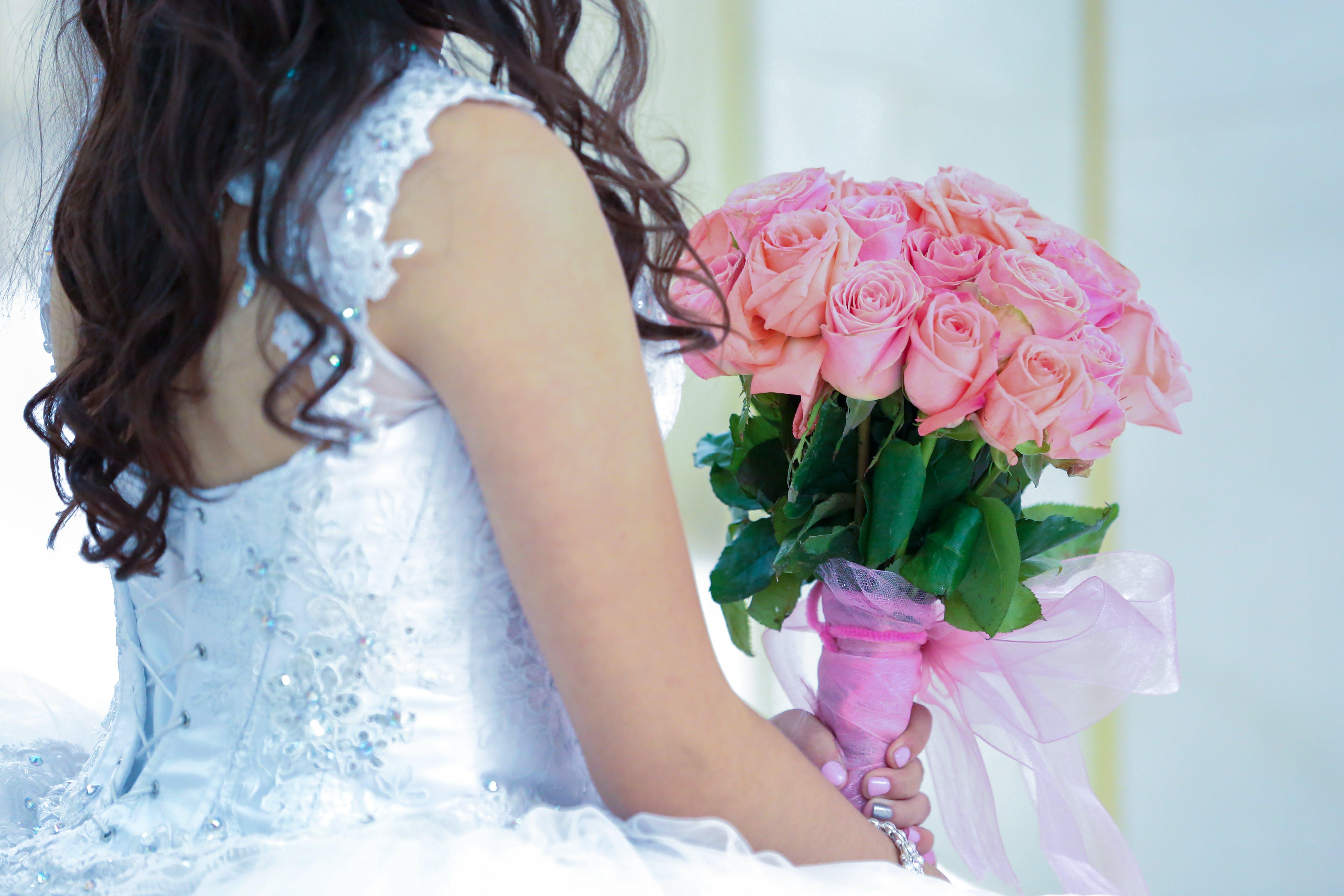 Δωρεάν στοκ φωτογραφιών με άνθρωπος, γαμήλια τελετή, γαμήλιο μπουκέτο, γαμήλιος