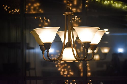 Free stock photo of chandelier, chandeliers, expensive, light