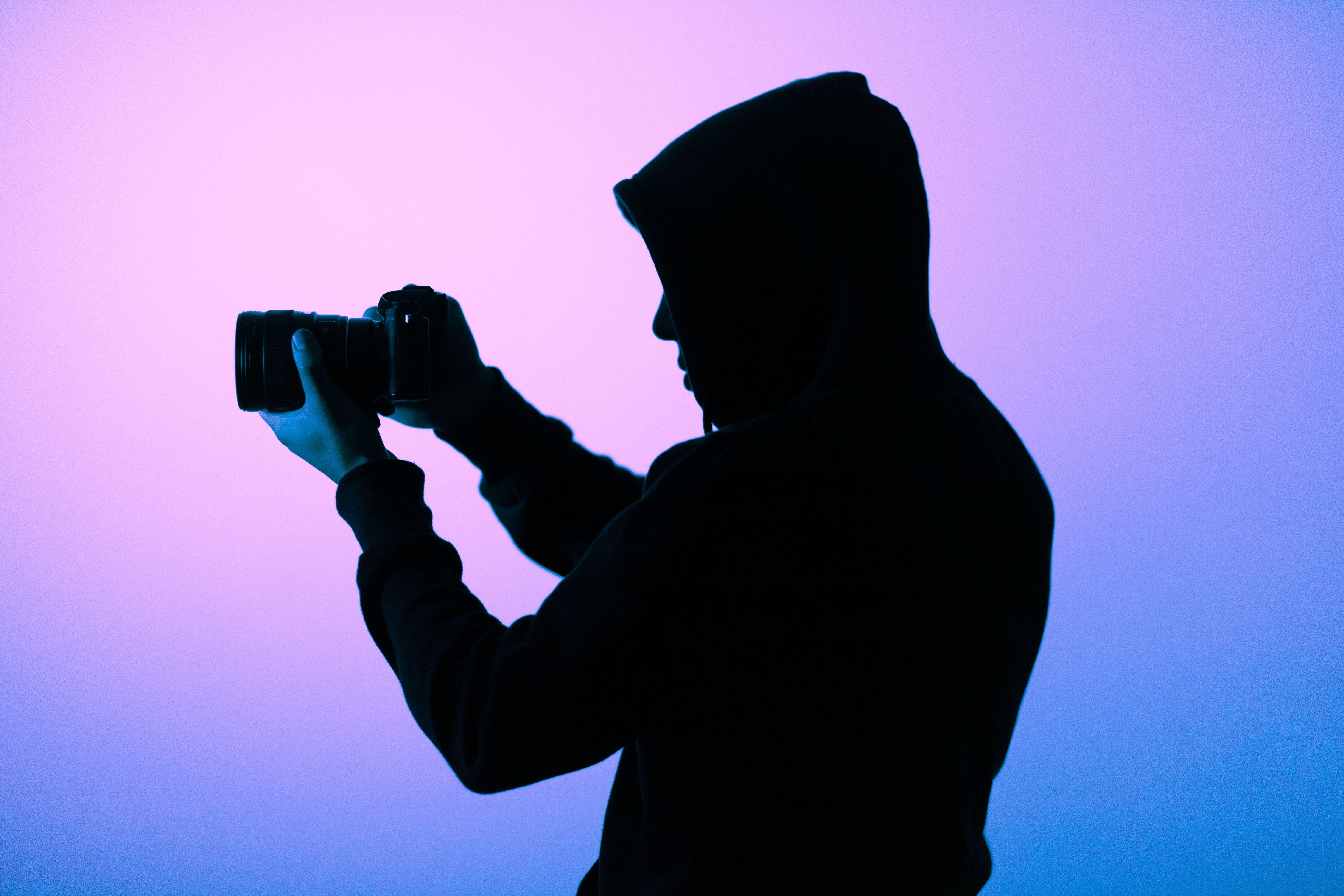 Základová fotografie zdarma na téma fialová, focení, fotoaparát, fotograf