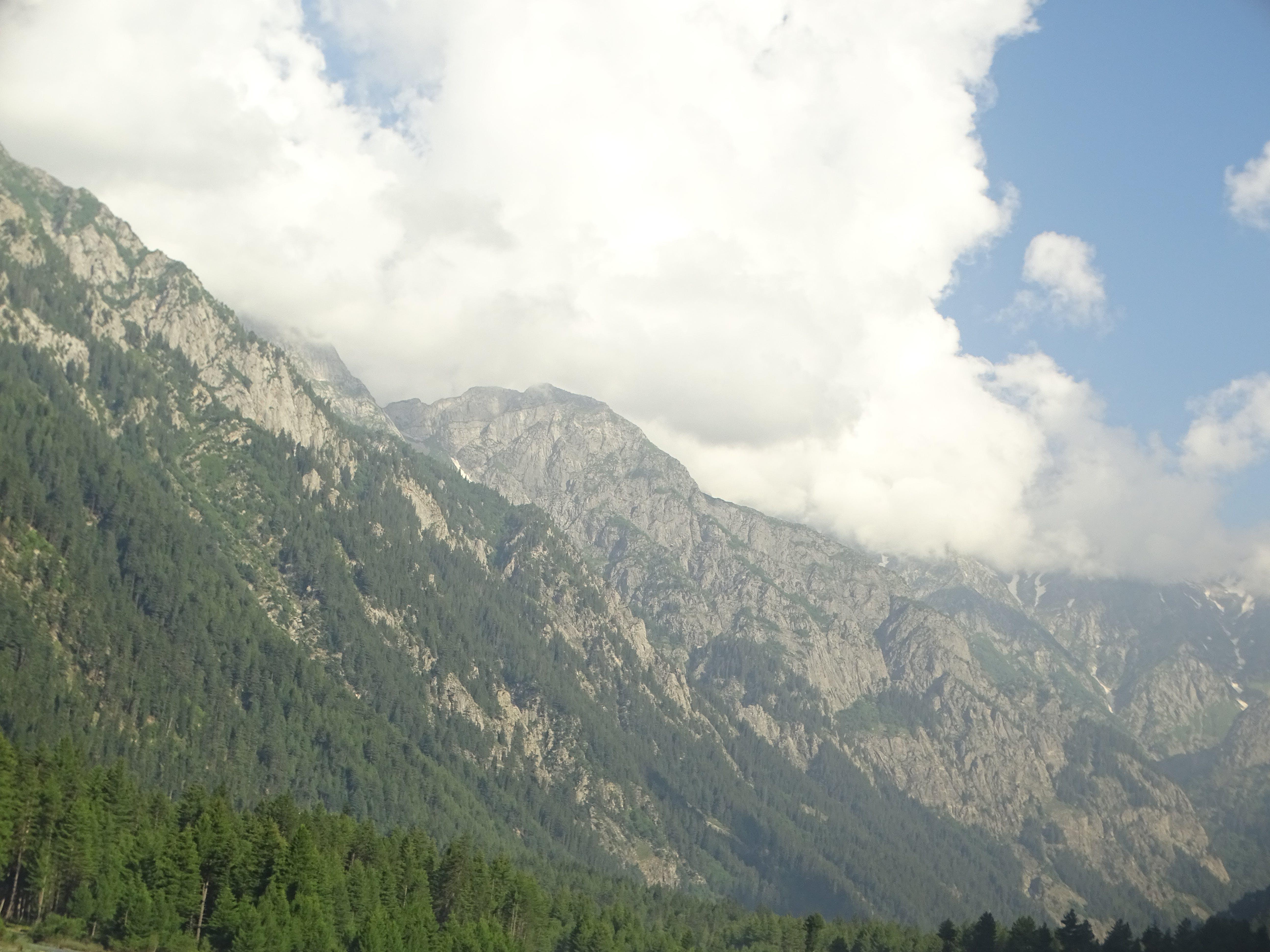 Foto profissional grátis de kumrat, montagem verde, montanhas, Montanhas Azuis