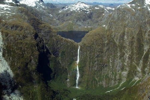 Безкоштовне стокове фото на тему «southerland falls, гори, Квінстаун, Нова Зеландія»