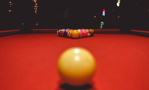 Безкоштовне стокове фото на тему «bal, биток, Більярд, більярдний стіл»