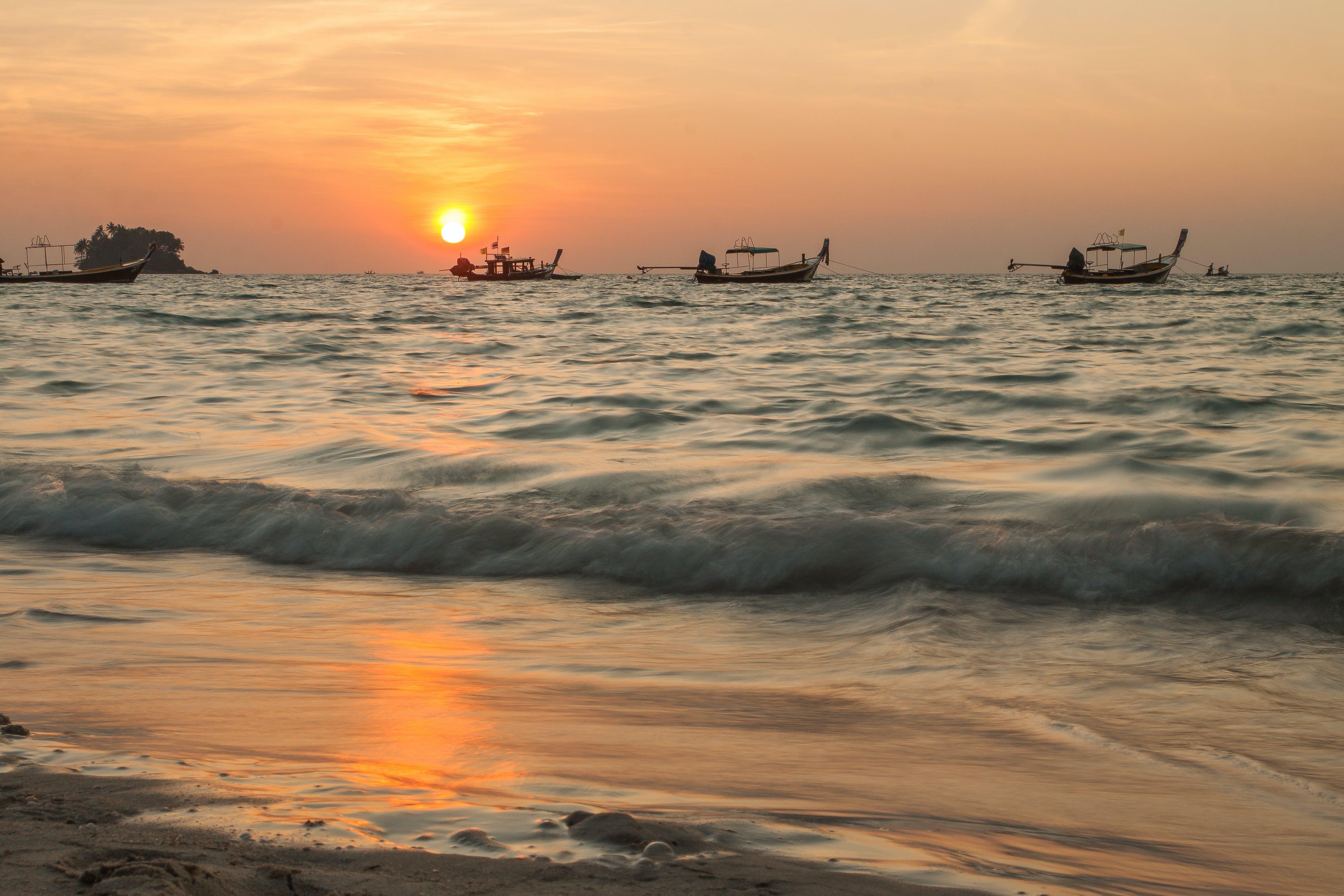 Free stock photo of beach, boat, long boat, mirophotography.wordpress.com