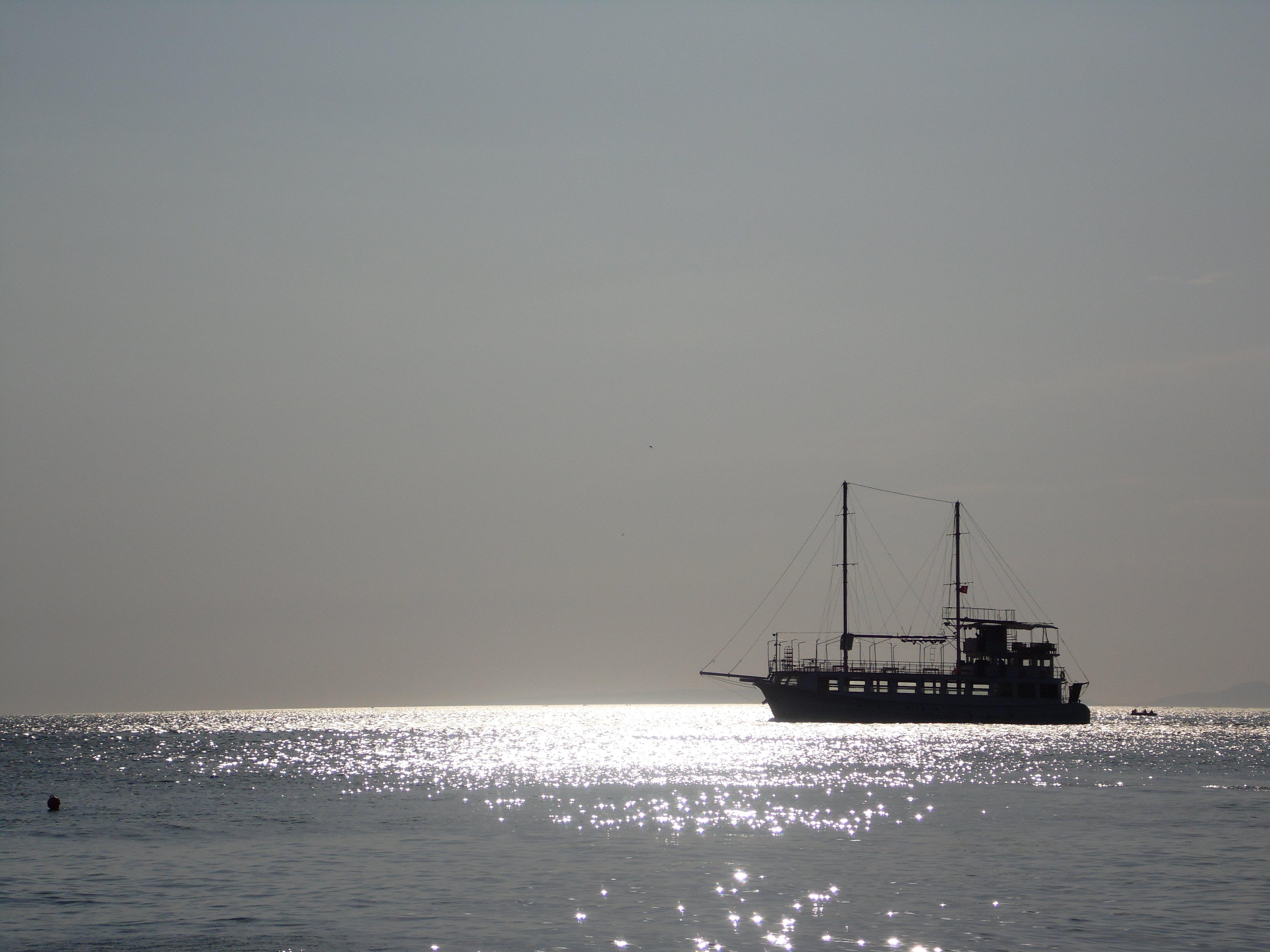 Free stock photo of boat, boat cruise, early morning, sea