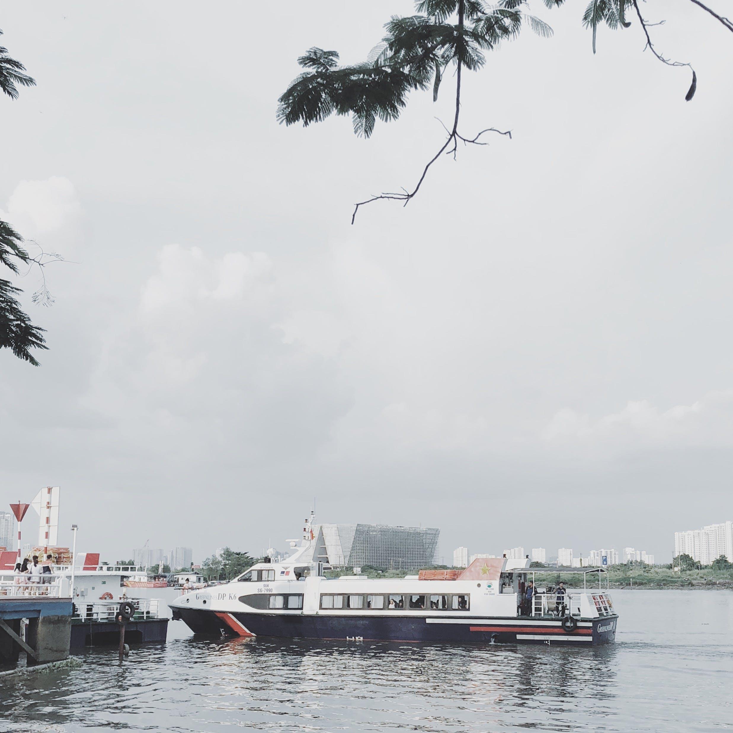 Δωρεάν στοκ φωτογραφιών με βάρκα, γέφυρα, επιστρέφω, επιστρέφοντας, ουρανός
