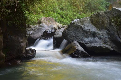 Безкоштовне стокове фото на тему «Водоспад, камені, краєвид, потік»