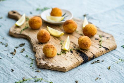 Fotos de stock gratuitas de arancini, comida, de madera, delicioso