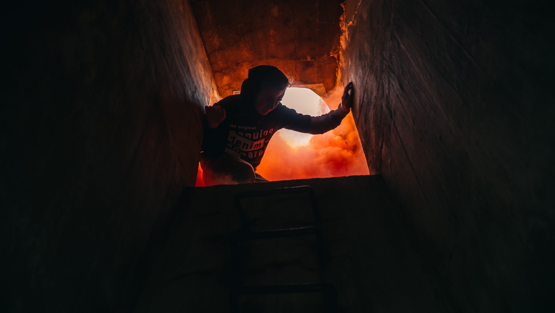 おとこ, インドア, ダーク, トンネルの無料の写真素材