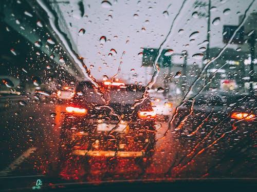 Immagine gratuita di auto, bagnato, bicchiere, gocce di pioggia
