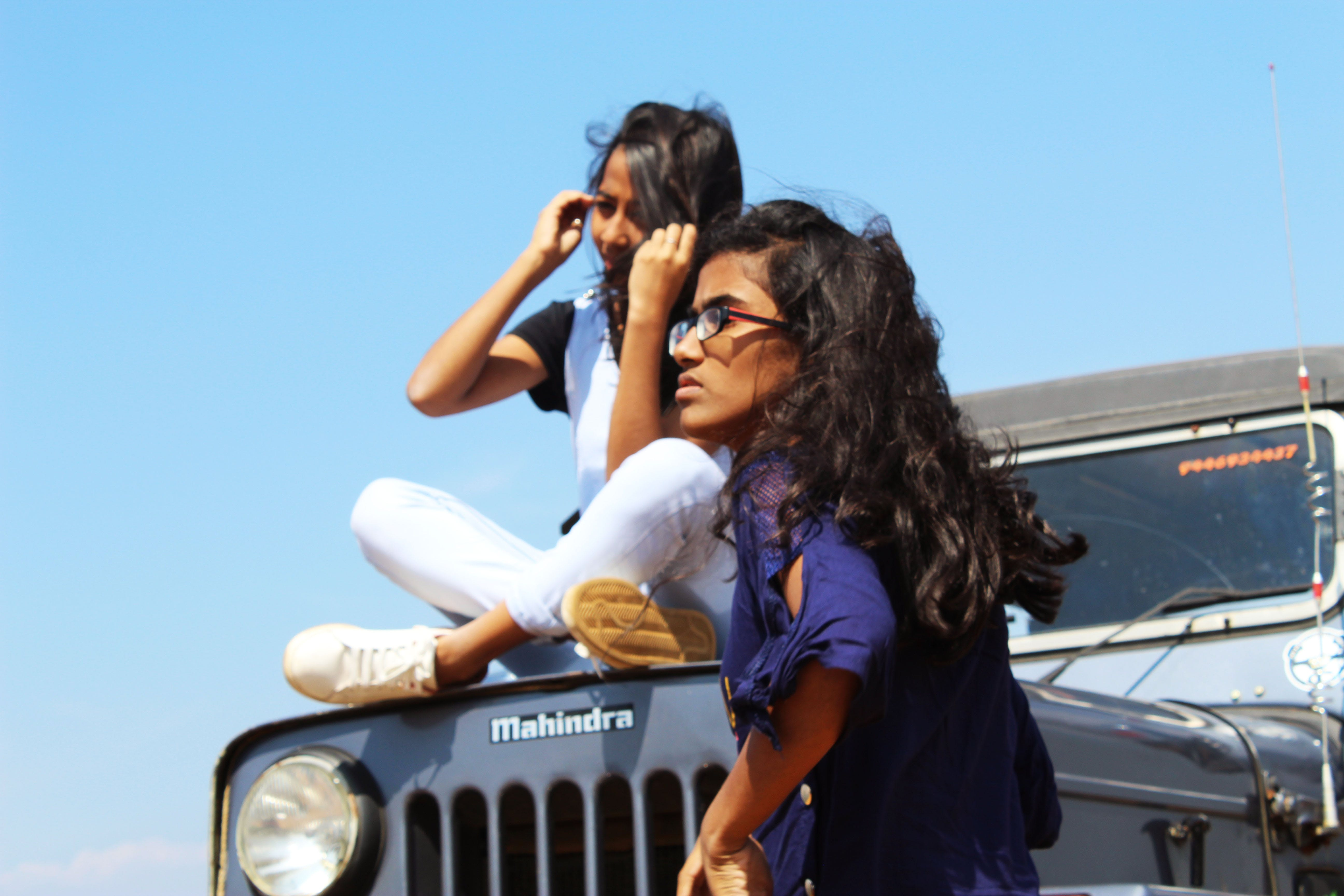 Základová fotografie zdarma na téma dobrodružství, džíp, jeep závod, krásné dívky