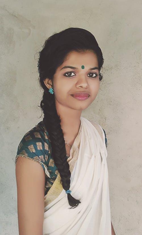 Immagine gratuita di capelli neri, pentola, ragazza indiana, rituali indiani