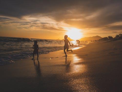 Kostnadsfri bild av barn, gyllene timmen, hav, havsområde
