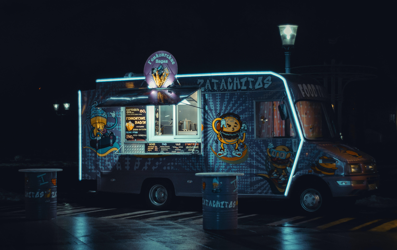 Gratis stockfoto met belicht, voedsel vrachtwagen, voertuig, vrachtauto