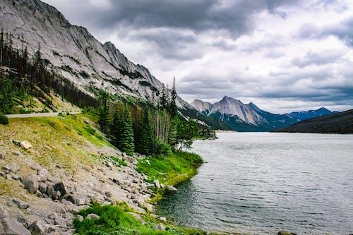 Gratis stockfoto met berg uitzicht, bergketen, bergtoppen, daglicht