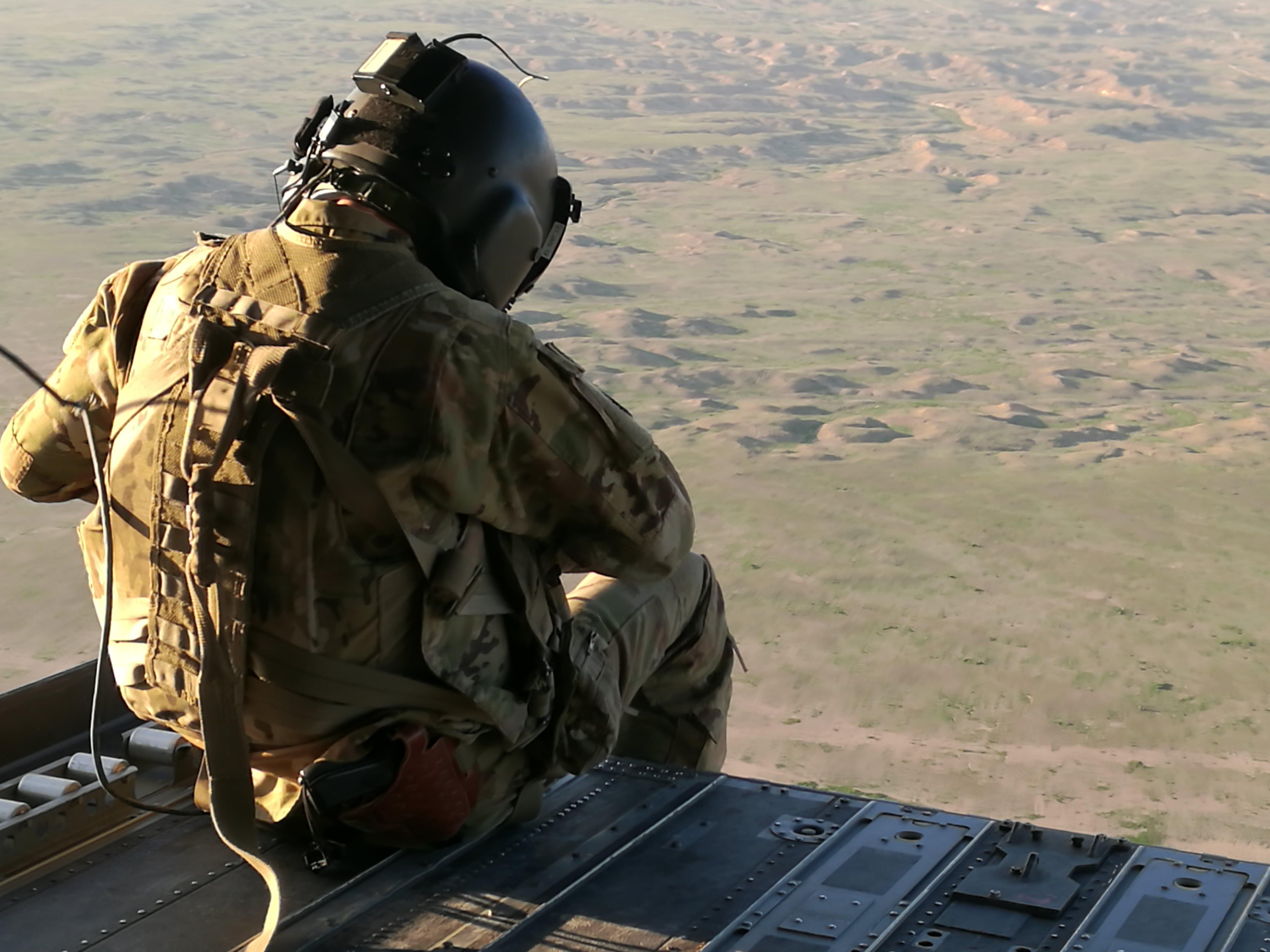 Free stock photo of Al-Anbar, CH-47, desert, flying