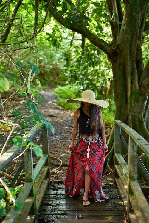 公園, 女人, 時尚, 樹木 的 免费素材照片