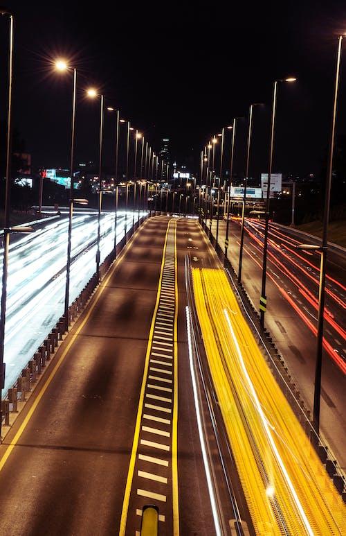 Photos gratuites de autoroute, centre-ville, circulation, citadin