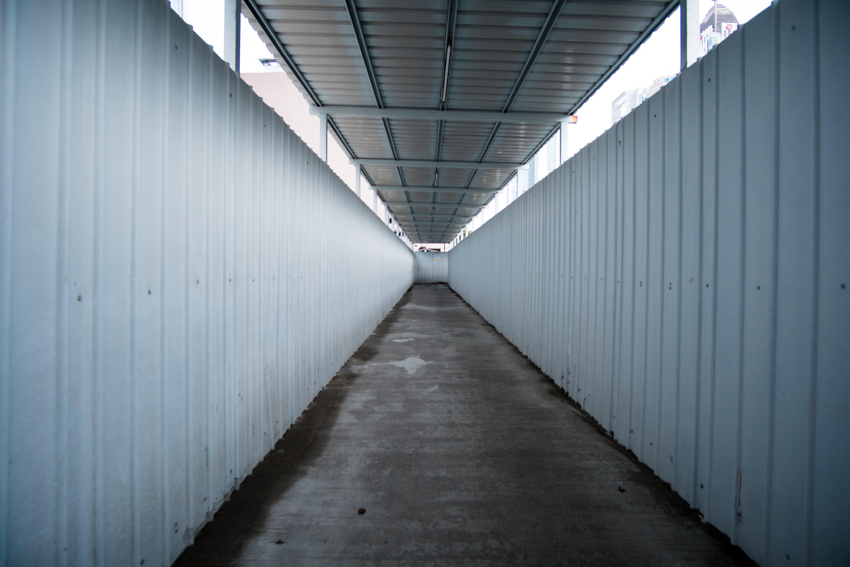empty, line, no person
