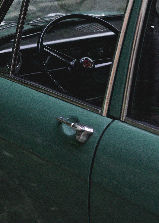 Kostenloses Stock Foto zu antik, armaturenbrett, auto, autoinnenraum