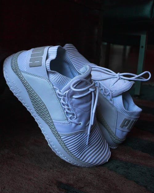 Ingyenes stockfotó cipő, cipőfűző, dorkó, fehér témában