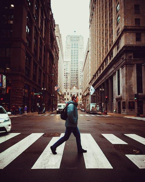 Ảnh lưu trữ miễn phí về băng qua, các tòa nhà, Đàn ông, đường