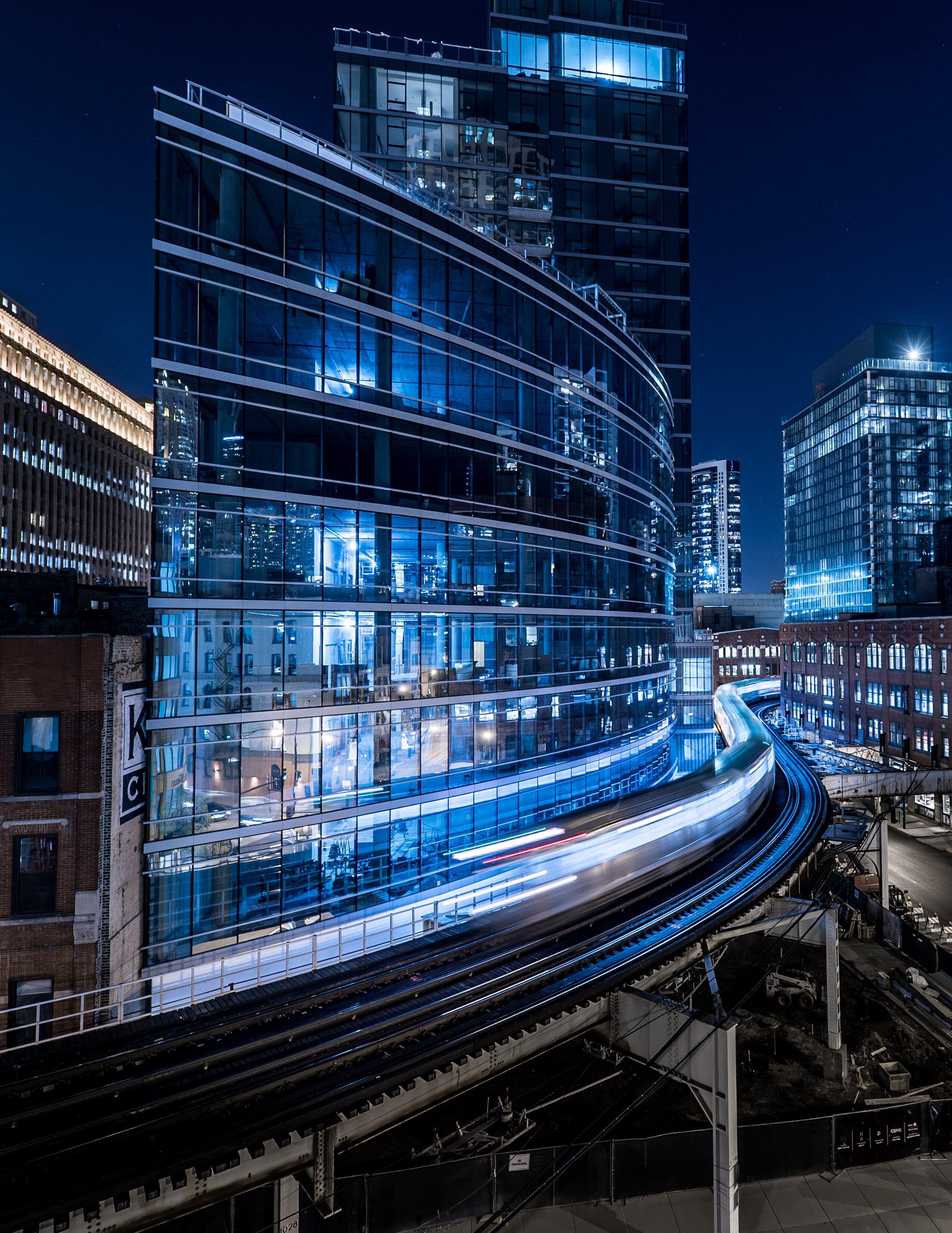 Základová fotografie zdarma na téma architektura, budovy, časosběr, centrum města