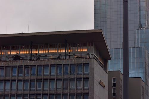 Ingyenes stockfotó ablakok, belváros, beton, építészet témában