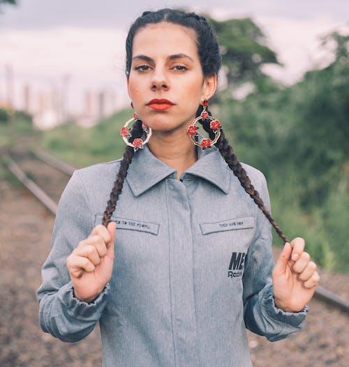 Ingyenes stockfotó arckifejezés, divat, móka, nő témában