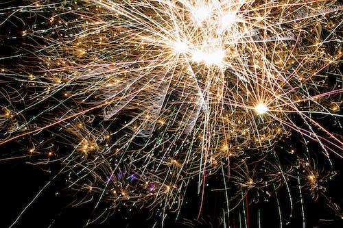 Free stock photo of ciemność, fajerwerk, fajerwerki, nowy rok