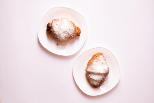 Fotobanka sbezplatnými fotkami na tému chlieb, chutný, croissant, cukrársky výrobok