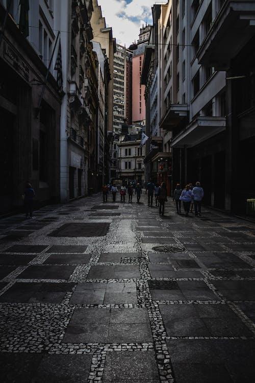 Δωρεάν στοκ φωτογραφιών με Άνθρωποι, αρχιτεκτονική, αστικός, δρόμος
