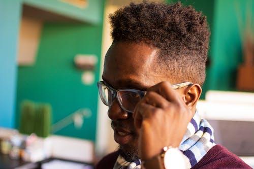 Foto profissional grátis de afro, cabelo, cara