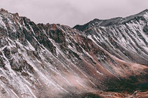 Základová fotografie zdarma na téma denní, denní světlo, horské vrcholy, hory
