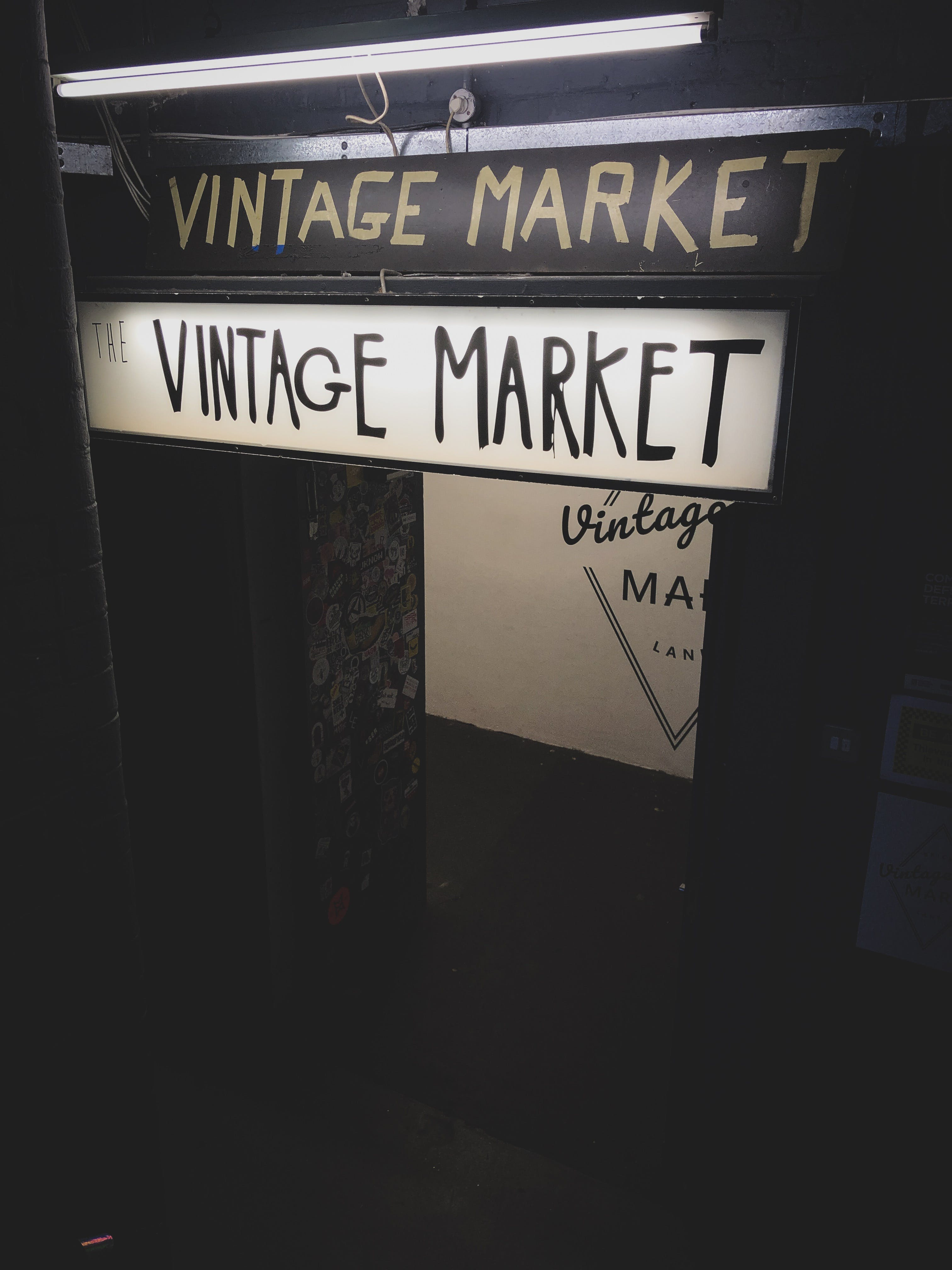 Vintage Market Singage