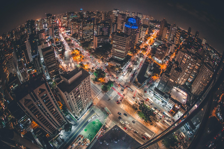 arkkitehtuuri, autot, ilta