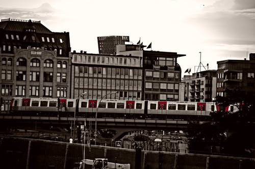 Foto stok gratis cara tradisional, daerah perkotaan, Hamburg, hitam dan putih
