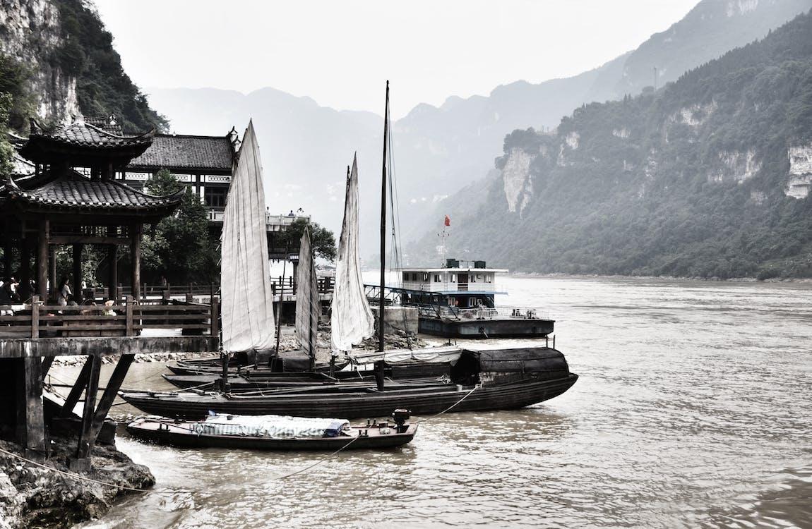 корабель, човен