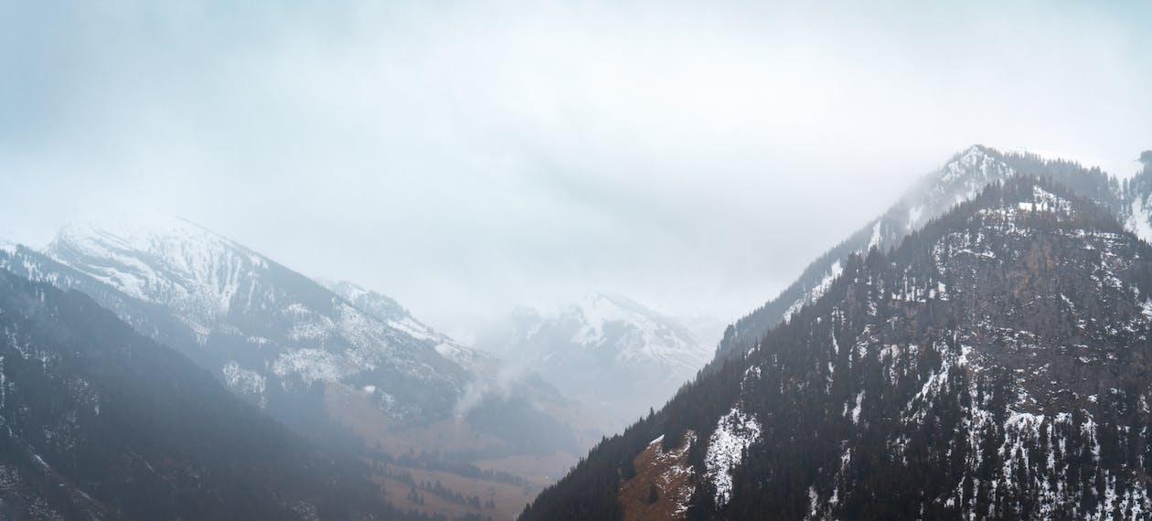 borús, hegy, ködös
