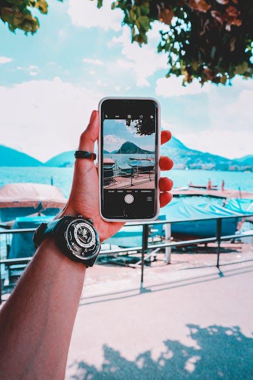 Immagine gratuita di cellulare, iphone, scattare foto, schermo